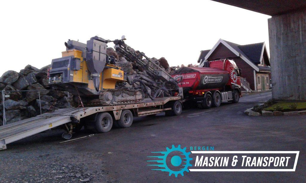 Maskintransport - Transport av alle typer maskiner. Gravemaskiner, traktorer, lastebiler, biler, varebiler, trucker osv